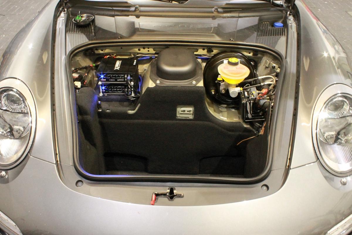 Porsche 997 Audiosystem X 75.4 D & X 120.2 D Endstufe