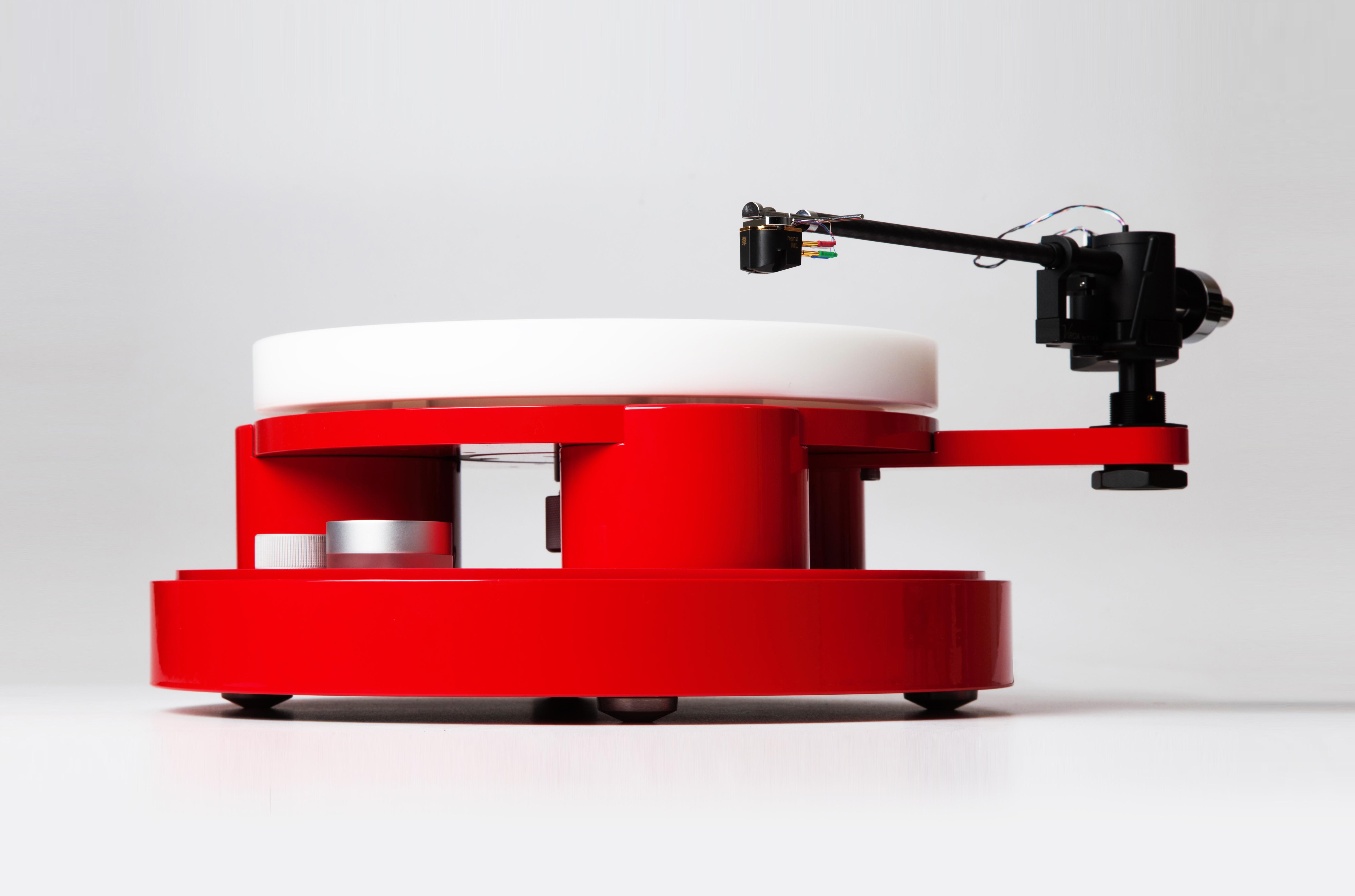 Tien TT5 Plattenspieler mit Magnetlager und Drehmomentsteuerung